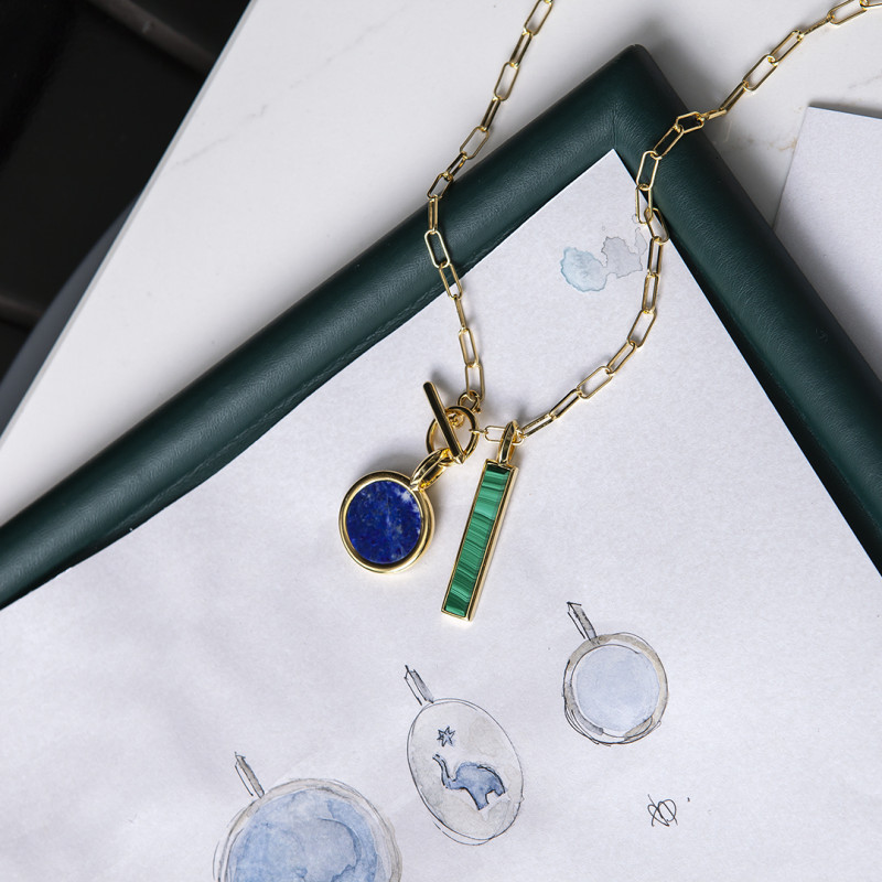 zawieszka-pozłacana-z-lapis-lazuli-medaliony