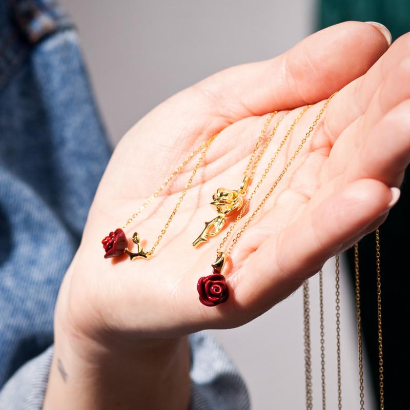 naszyjnik-pozłacany-z-emalią-róża-rosarium-