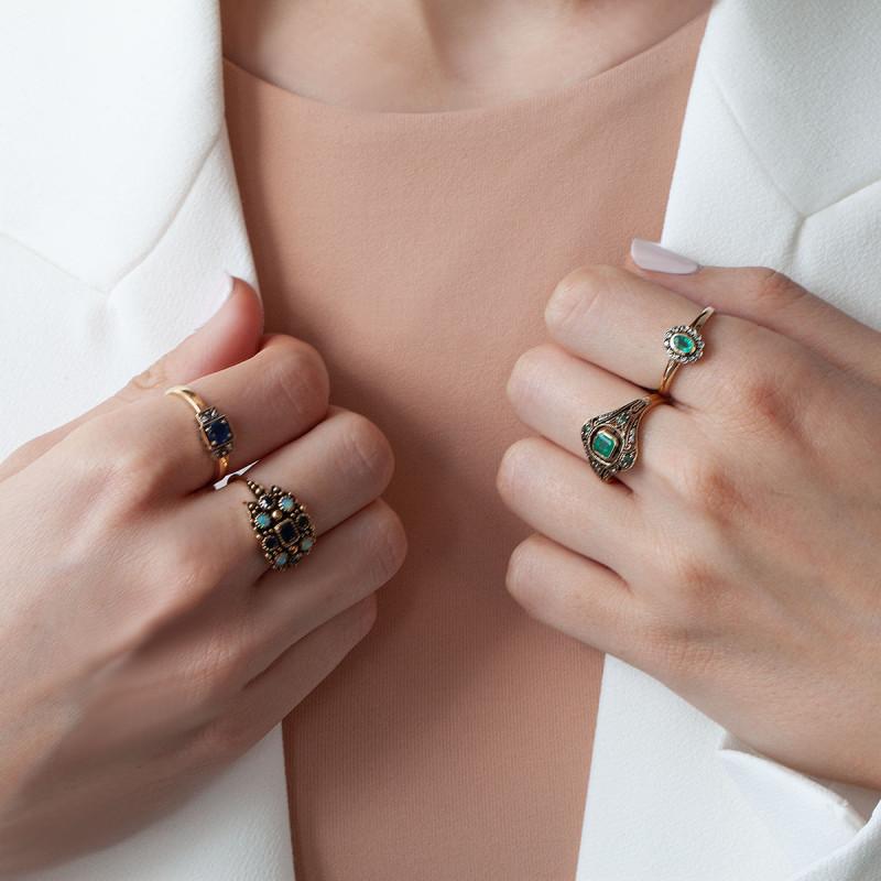 pierścionek-złoty-ze-szmaragdami-i-szafirami-kolekcja-wiktoriańska