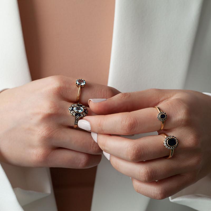 pierścionek-złoty-z-diamentami-i-topazami-kolekcja-wiktoriańska-