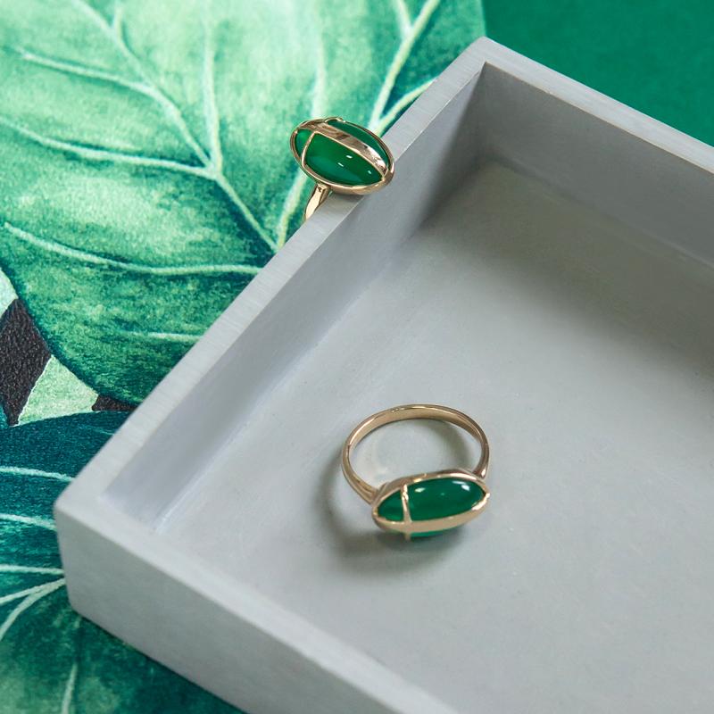 pierścionek-złoty-z-zielonym-agatem-skarabeusz