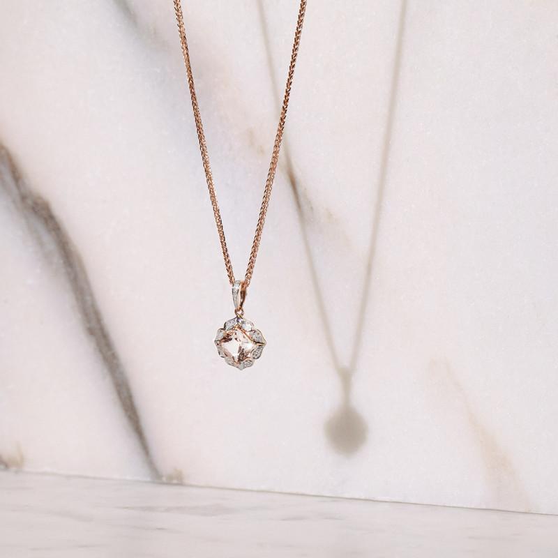 zawieszka-z-różowego-złota-z-morganitem-i-diamentami-vintage-rose
