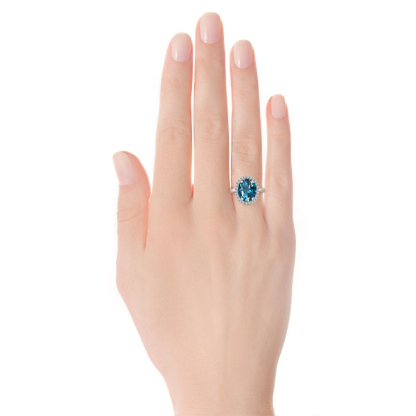 Zdjęcie Jubilé - pierścionek z żółtego złota z diamentami i topazem #6