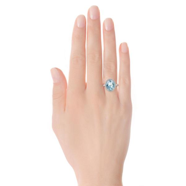 Zdjęcie Jubilé - złoty pierścionek z topazem błękitnym i diamentami #4
