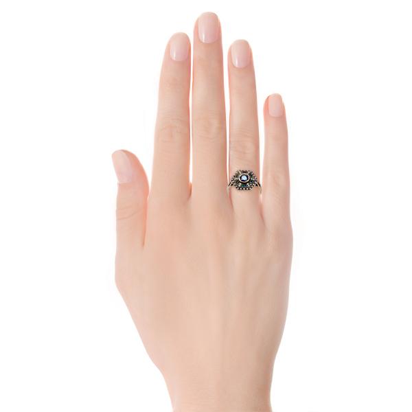 Zdjęcie Kolekcja Wiktoriańska - pierścionek ze szmaragdami i szafirami #2