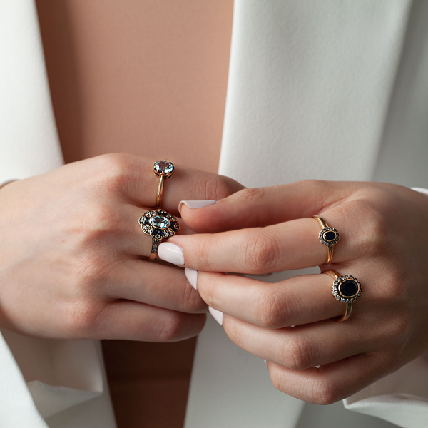 pierścionek-złoty-z-diamentami-i-topazami-kolekcja-wiktoriańska--2