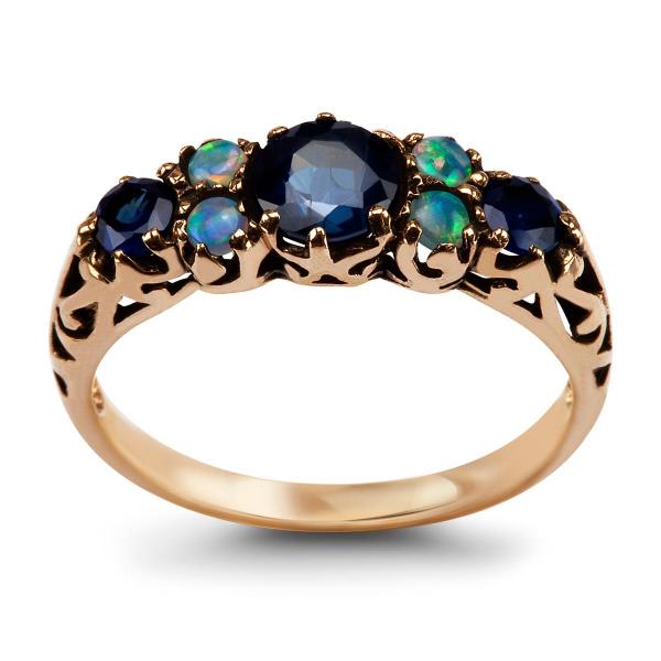 Zdjęcie Kolekcja Wiktoriańska - pierścionek złoty z szafirami i opalami #1