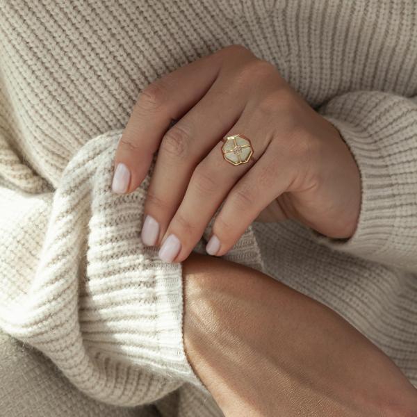 pierścionek-złoty-z-masą-perłową-i-cyrkoniami-art-deco-2