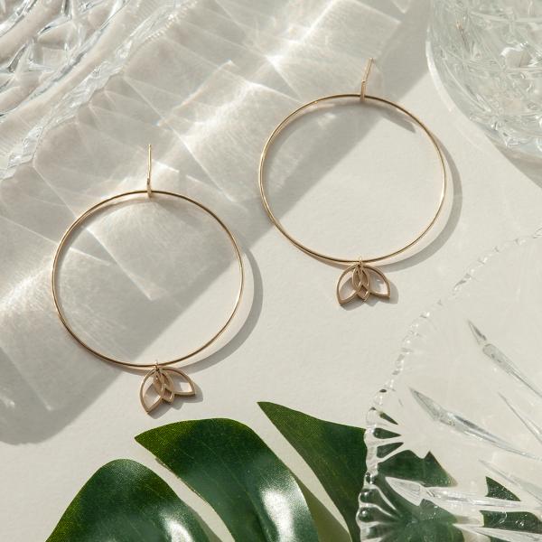 magnolia-kolczyki-złote-4