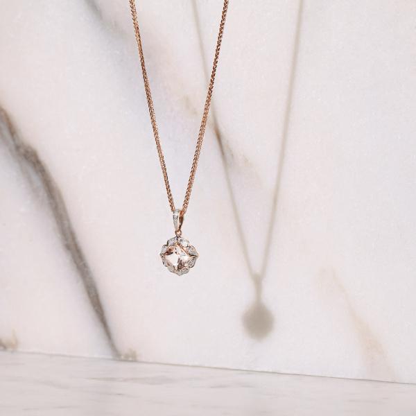 zawieszka-z-różowego-złota-z-morganitem-i-diamentami-vintage-rose-2