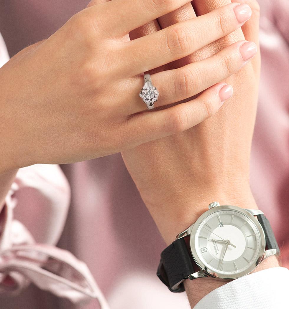 kolekcja-amore-pierscionek-zareczynowy-biale-zloto-Diament-Idealny-YES-zegarek-victorinox