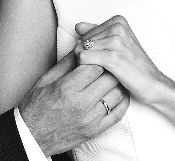 kolekcja-amore-zloto-obraczka-pierscionek-zareczynowy-z-diamentem-Diament-Idealny-YES