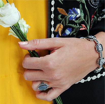 kolekcja-markazyty-srebrna-bransoletka-srebrny-pierscionek-z-onyksem-kobiecy-wdziek