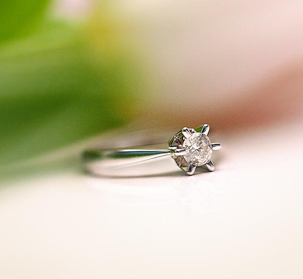 kolekcja-stella-pierscionek-zareczynowy-z-diamentem-biale-zloto-Diament-Idealny-YES-niezwykly-blask