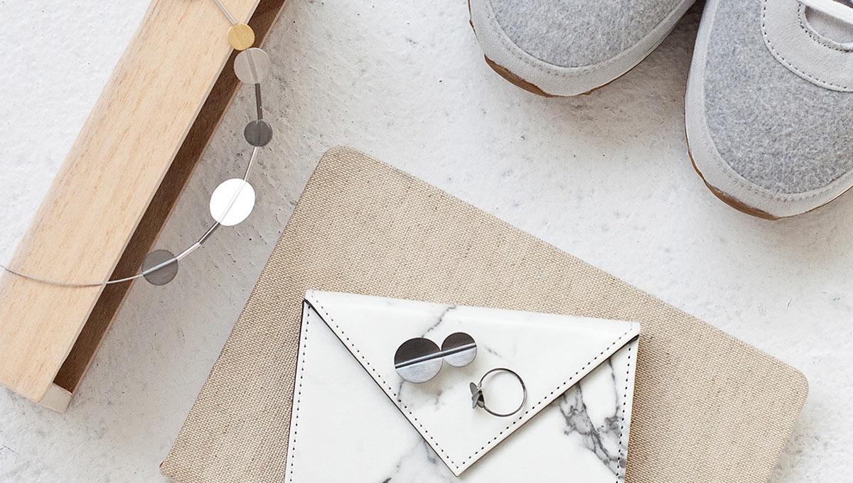 kolekcja-studio-y-naszyjnik-broszka-pierscionek-srebro-prosta-geometria-innowacyjne-techniki