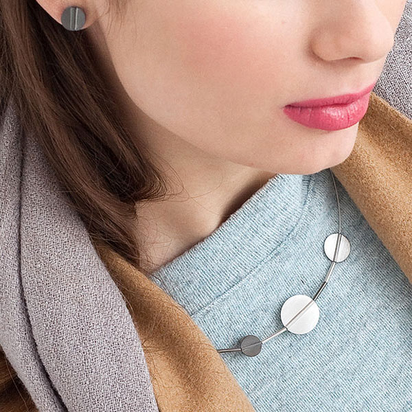 kolekcja-studio-y-srebrny-naszyjnik-srebrne-kolczyki-minimalizm