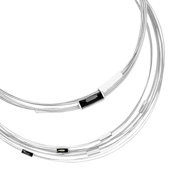 studio-y-srebrny-naszyjnik-na-stalowych-linkach-z-krysztalami-Swarovskiego-kolekcja-Black
