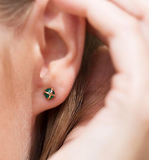 bizuteria-na-jesien-kolekcja-skarabeusz-szmaragdowa-zielen-szlachetne-kamienie
